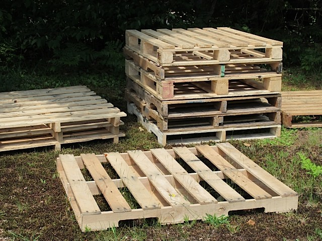 Library Pallet Contest